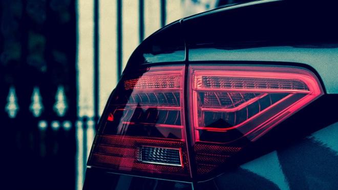 Мужчина вылетел из Audi на трассе под Выборгом