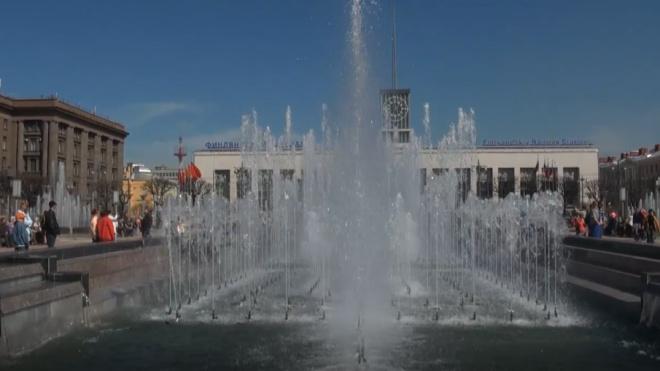 С 1 октября в Петербурге начнут отключать фонтаны