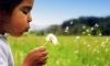 Девочка с растущим в ухе одуванчиком шокировала врачей