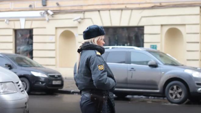 В Петербурге задержаны восемь человек по подозрению в незаконной банковской деятельности