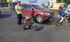 На Заневском автомобиль сбил мотоциклистку