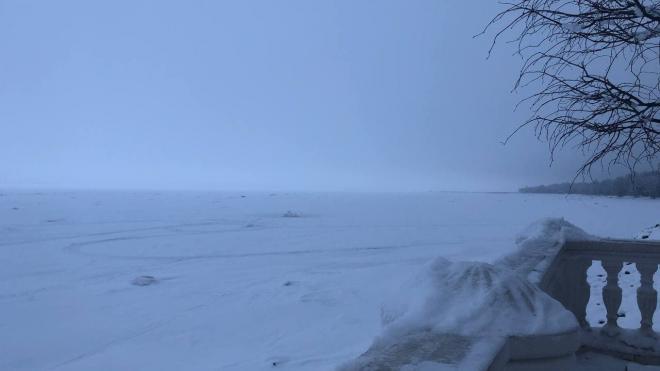 Сотрудники МЧС напоминают об опасности выхода на лед