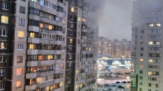 Туристскую заволокло дымом из-за пожара