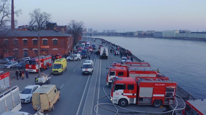 """На """"Невской мануфактуре"""" образовались завалы размером с 2 этажа"""