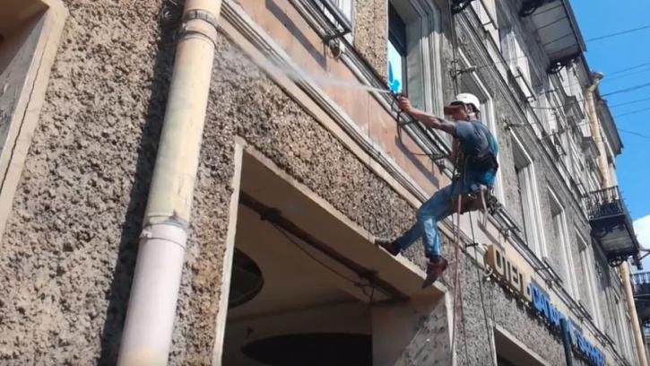 Федеральные учреждения Петербурга отмоют около 400 фасадов нежилых зданий