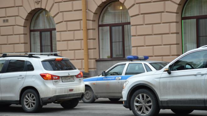 Петербургские оперативники задержали подозреваемых в обмане пенсионеров на 2,5 млн рублей