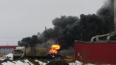 На Колпинском шоссе горит производственный ангар