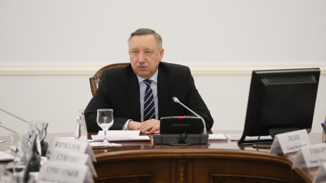 Командующий войсками ЗВО наградил знаком отличия Александра Беглова