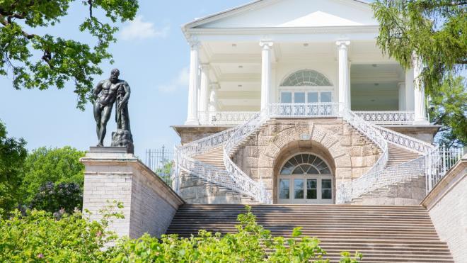 """Мишустин поздравил с юбилеем директора музея """"Царское село"""""""