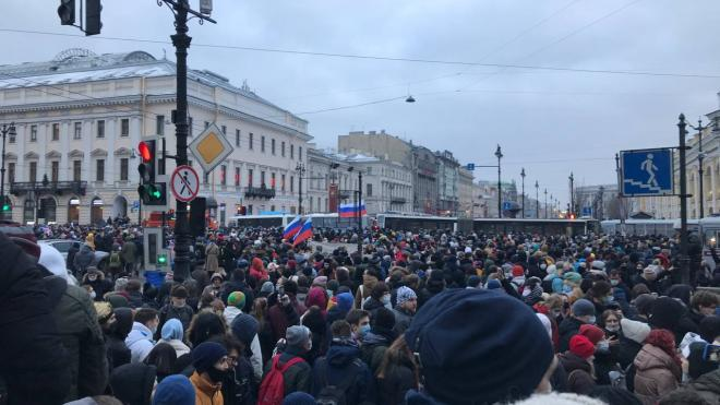 В Смольном отказались обсуждать отмену запрета на митинги