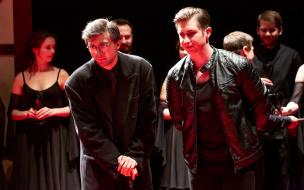 """Спектакль """"Игра в Шекспира. Гамлет"""""""