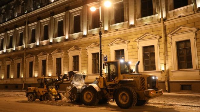 Вице-губернатор Петербурга проверил работу коммунальных служб в центральных районах города