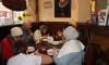 Владельцы кафе организовали бесплатные обеды для пожилых петербуржцев
