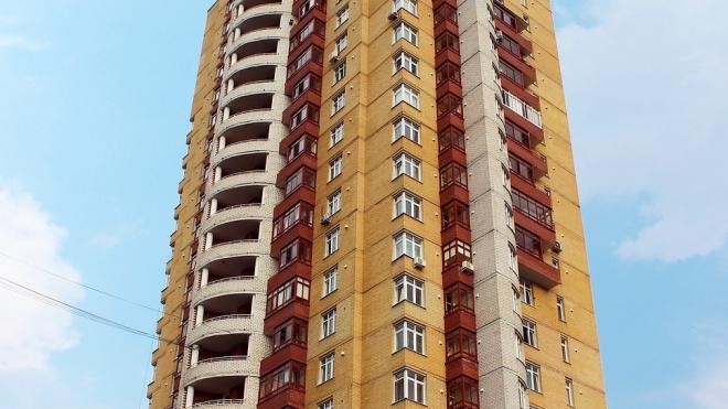 Мать выбросила свою грудную дочь с балкона и выпрыгнула следом