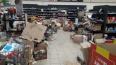 В последнем магазине Spar распродают товар в антисанитар ...