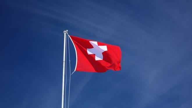 В Швейцарии не менее 16 человек умерли после вакцинации от COVID-19