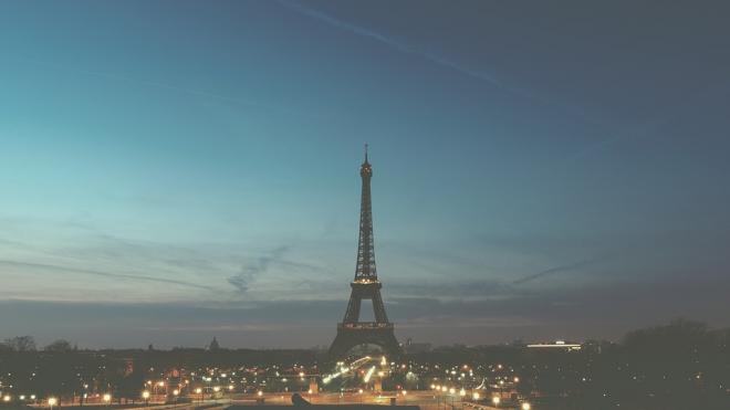 Air France выполнит серию рейсов из России в Париж