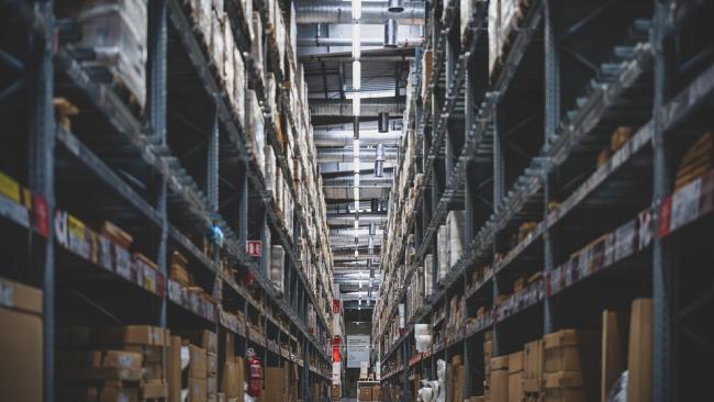 В Госдуме предложили законодательно закрепить право покупать товар по цене на ценнике