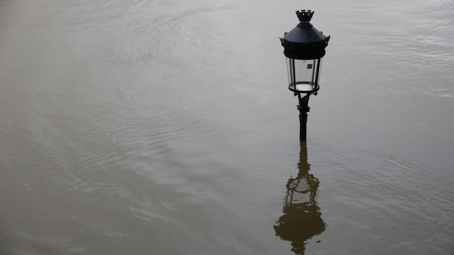 Петербург не затопит: дамба снова открыта