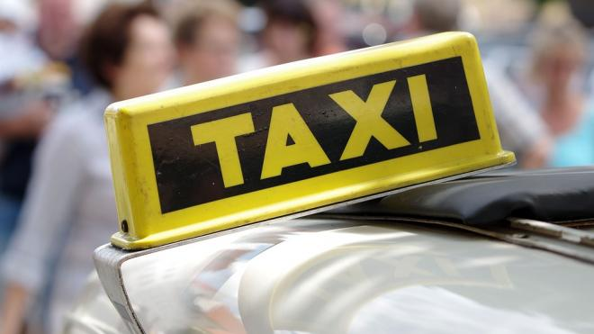 """В Ленобласти пассажир напал на водителя и угнал машину """"Яндекс. Такси"""""""