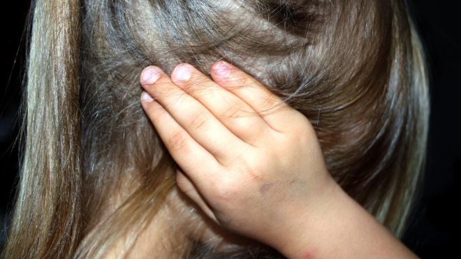 Петербуржец насиловал собственную 13-летнюю дочь больше месяца