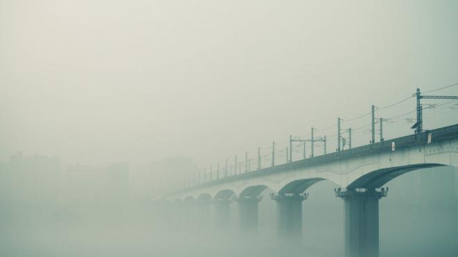 МЧС предупреждает автомобилистов Ленобласти о тумане и гололедице 15 ноября