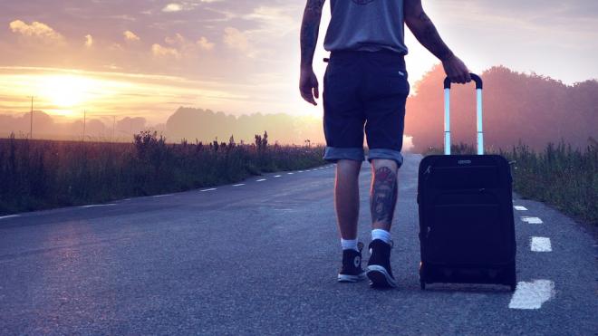 ВЦИОМ: 31 % молодых россиян хочет уехать жить за границу