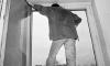 Мигрант покончил с собой, выпрыгнув из окна суда