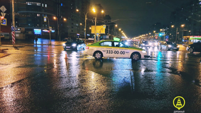 Таксист сбил подростка в Приморском районе