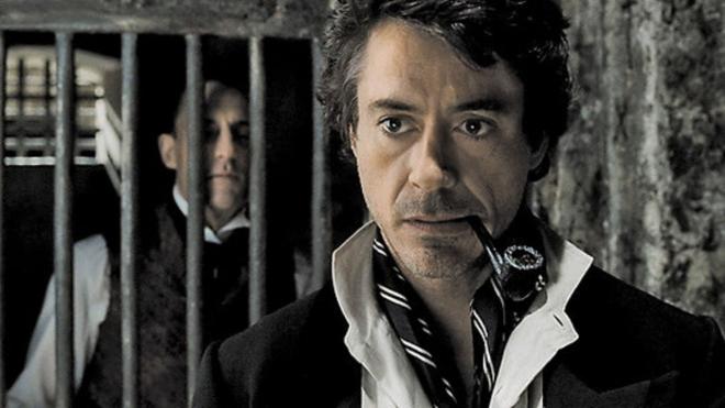 "Роберт Дауни-младший намекнул на начало съемки ""Шерлока Холмса"""