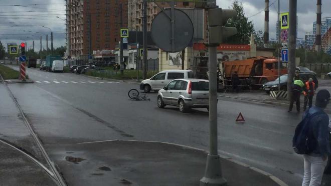 Форд сбил велосипедиста в Невском районе