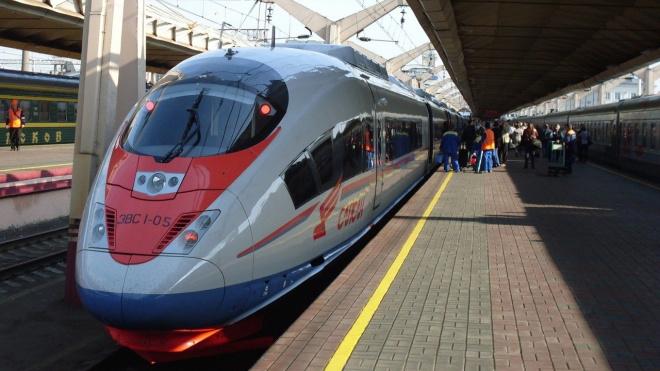 """В """"Сапсане"""" из Петербурга в Москву всем пассажирам измеряют температуру"""