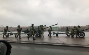 Михайловская военная академия в свой юбилей вывела пушки к Неве