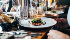Петербургские ресторанные сети сократили количество заведений на четверть