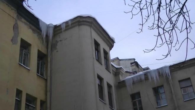 В 2020 году в Петербурге закончат ремонтировать чердаки