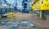 Мигрантов-нелегалов привлекли к уборке мусора на стройке в Петербурге