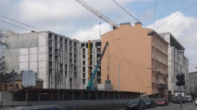 Строительство отеля у треснувшего дома по Александра Невского приостановлено