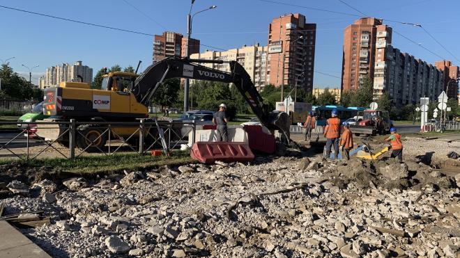 Власти Петербурга пообещали не урезать финансирование ремонта теплосетей
