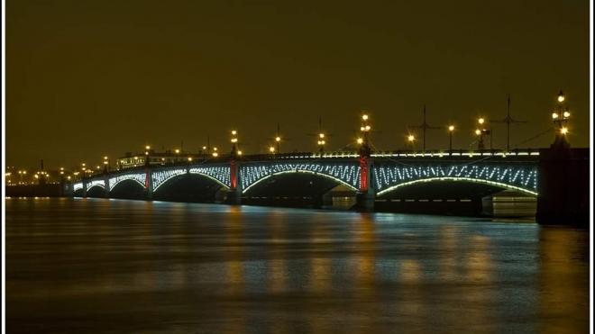 Троицкий мост будет подсвечен в честь 115-летия переправы