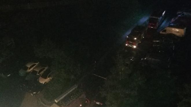 На Малой Бухарестской ночью сгорела квартира. Владельца увезли на скорой