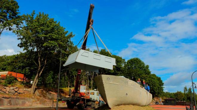 Специалисты проводят консервацию корабля на Смоляном мысе