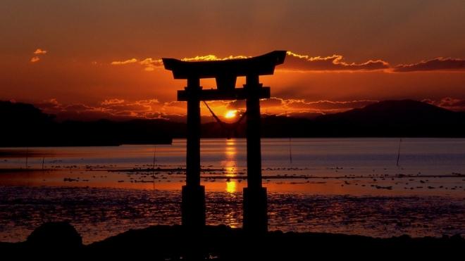 Японский император устал от престола и хочет передать власть сыну