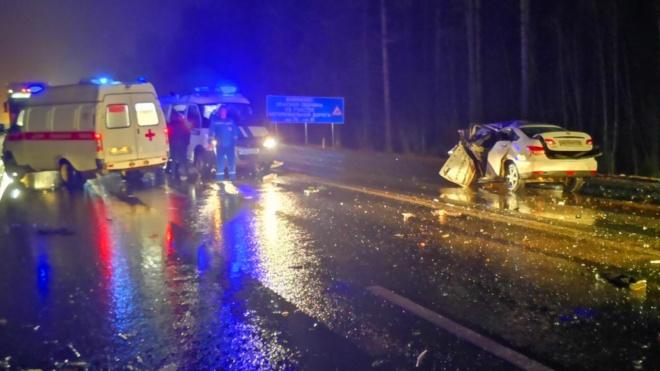 В результате ДТП в Тосненском районе погибли два водителя, серьезно пострадали дети