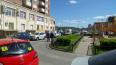На Коломяжском проспекте из окна 10 этажа выпал мужчина: ...