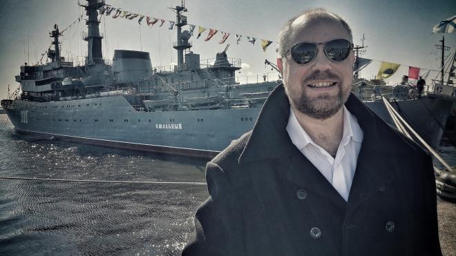 Диктор парада ВМФ в Петербурге рассказал, как готовится к работе