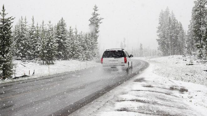 Петербург в понедельник накроет метель и мокрый снег