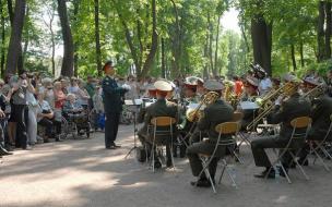 Каждое воскресенье в Летнем саду будет играть оркестр