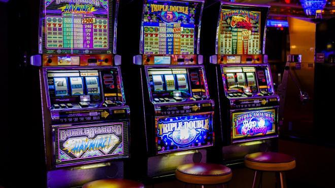 Петербургская прокуратура собирается выявить подпольные казино при помощи горожан
