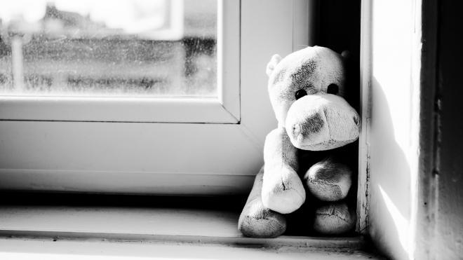 В Петербурге трёхлетний ребёнок выпал из окна