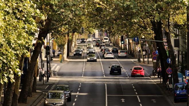 Петербуржцам предложат оставить автомобили на парковке 22 сентября